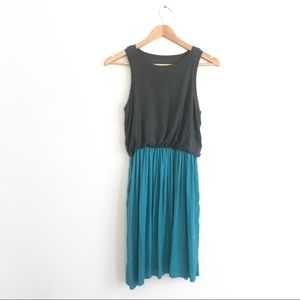 LOFT Two Tone Light Dress Sz SP